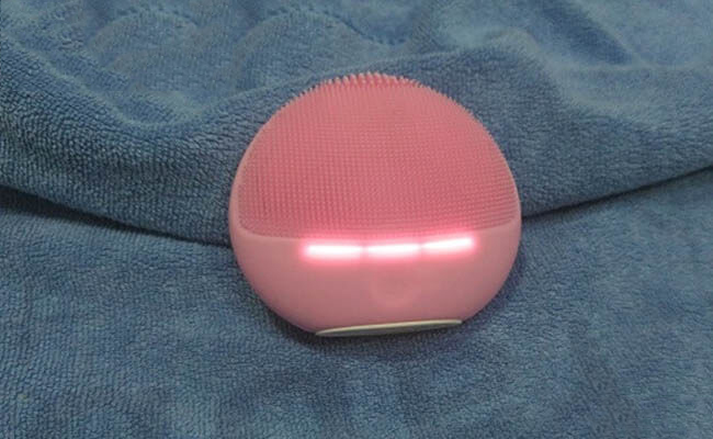 Halio Sensitive Facial Cleansing and Massaging Device